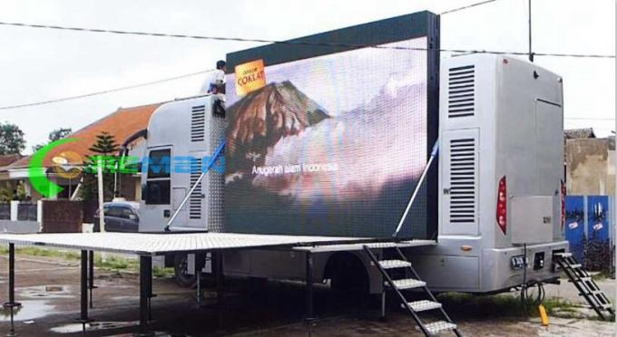 DIP Mobile Truck LED Display , LED Mobile Digital Advertising Sign Trailer PH5 PH6